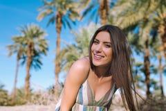 Menina feliz em férias de verão Imagens de Stock Royalty Free