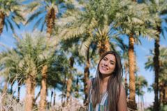 Menina feliz em férias de verão Fotos de Stock Royalty Free