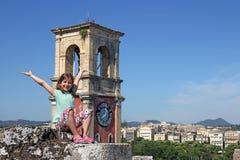 Menina feliz na cidade de Corfu Imagens de Stock Royalty Free
