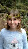 Menina feliz na natureza Fotografia de Stock Royalty Free