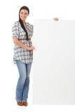 Menina feliz que sorri com placa branca Foto de Stock