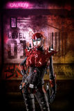 Menina futurista do soldado do Cyberpunk Fotos de Stock Royalty Free