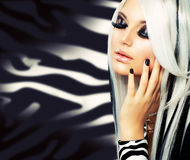 Menina gótico da forma da beleza Imagens de Stock Royalty Free
