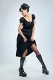 Menina gótico do vampiro no vestido preto imagens de stock royalty free