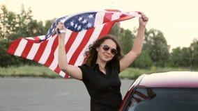 A menina guarda a bandeira de América filme