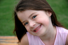 Menina idosa de cinco anos adorável foto de stock
