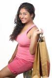 Menina indiana nova que levanta no estilo para o tiro do produto Imagem de Stock