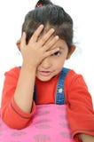 Menina indiana que bate sua testa na surpresa. Fotos de Stock