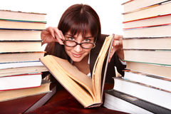 Menina inteligente com livro do grupo. Imagem de Stock