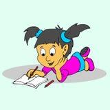 A menina leu os desenhos animados do livro Foto de Stock