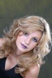 Menina loura com cabelo longo Imagem de Stock