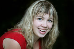 Menina loura de sorriso imagem de stock royalty free
