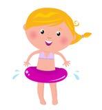 Menina loura feliz bonito com anel da natação Imagem de Stock