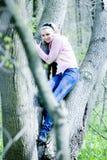 Menina loura na floresta Imagens de Stock Royalty Free