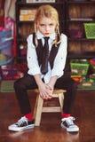 Menina loura preparada para a escola fotos de stock royalty free