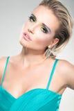 Menina loura 'sexy' no fundo claro fotos de stock royalty free