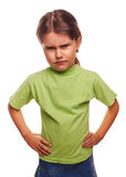 A menina má irritada mostra os punhos que experimenta a raiva e Fotos de Stock Royalty Free