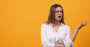 Menina milenar furada e arrogante video estoque