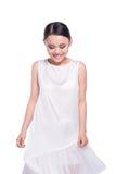Menina modelo asiática expressivo bonita no vestido branco do projeto Iso fotografia de stock royalty free