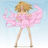 Menina modelo do encanto envolvida na seda que vibra no vento, em pálido - fundo azul ilustração royalty free