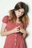 Menina modelo triste loura bonita Imagens de Stock