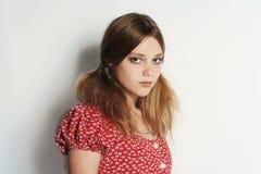Menina modelo triste loura bonita Foto de Stock