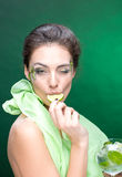 menina muito bonita com um cocktail no fundo Fotos de Stock