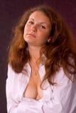 Menina na camisa de um homem Fotos de Stock Royalty Free