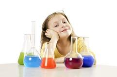 menina na classe da ciência Imagem de Stock Royalty Free