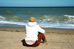 Menina na costa Fotos de Stock