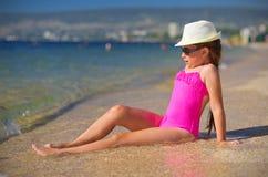 Menina na costa de mar Foto de Stock Royalty Free