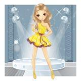 Menina na dança do vestido do ouro Ilustração Stock