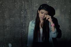 Menina na depressão, sofrimento, desespero, desânimo, desespero Imagens de Stock Royalty Free