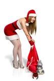 Menina na donzela da neve do terno com saco do presente Imagens de Stock Royalty Free