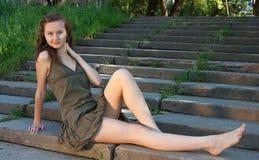 Menina na escada foto de stock royalty free