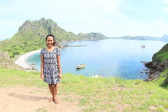 Menina na ilha de Padar fotos de stock