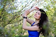 Menina na natureza Fotos de Stock Royalty Free