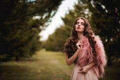 Menina na pele cor-de-rosa Imagem de Stock Royalty Free