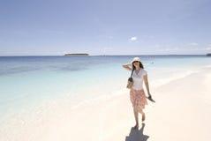 Menina na praia Fotos de Stock