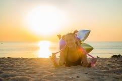 A menina na praia Foto de Stock