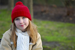 Menina na roupa do inverno foto de stock royalty free