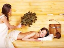 Menina na sauna. imagem de stock royalty free