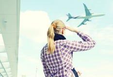 Menina no aeroporto Imagem de Stock