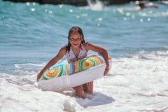 Menina no círculo da natação (03) Foto de Stock