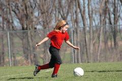 Menina no campo de futebol 18 Imagens de Stock