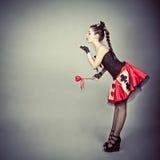 Menina no cartão do traje da rainha Imagem de Stock