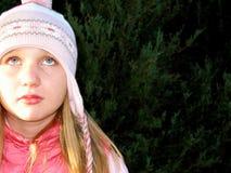 Menina no chapéu do inverno Fotos de Stock Royalty Free