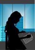 Menina no escritório Fotografia de Stock Royalty Free