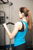 Menina no gym imagens de stock royalty free