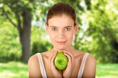 Menina no jardim da maçã Imagens de Stock